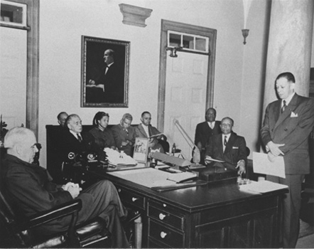 Governor Luther Hodges and John Wheeler with the Durham Committee on Negro Affairs
